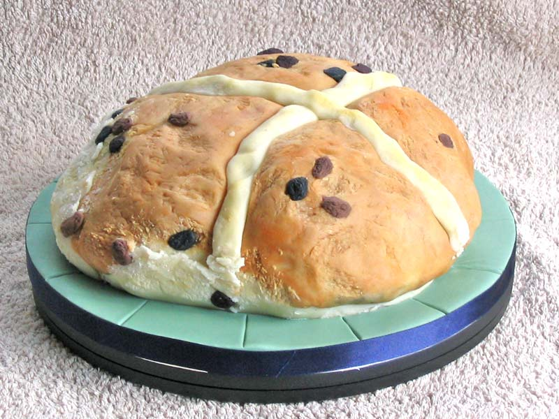 Easter 2007 - Hot Cross Bun cake